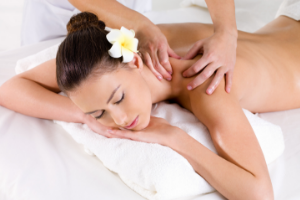 Belle Esthéticienne à domicile Massage lâcher-prise relaxant et Bien-être à Riom et Châtel-Guyon